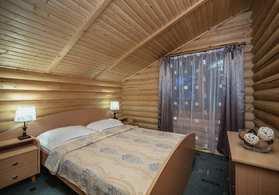 Номер Коттедж-сруб трехкомнатный с двумя спальнями и кухней №32 |