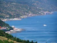 Побережье Крыма встречает туристов на отдых 2018