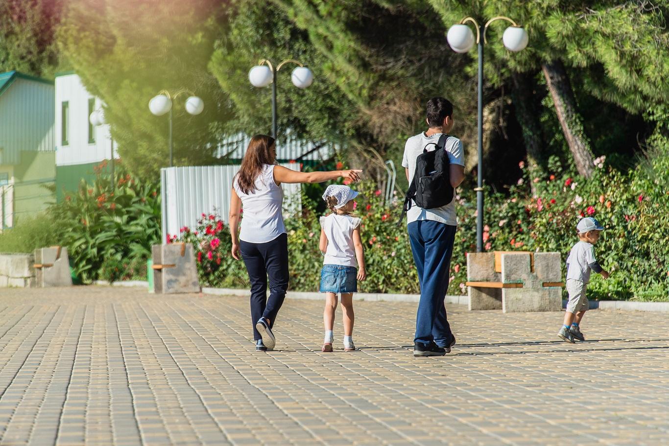 семейные прогулки - знакомство с Алуштой